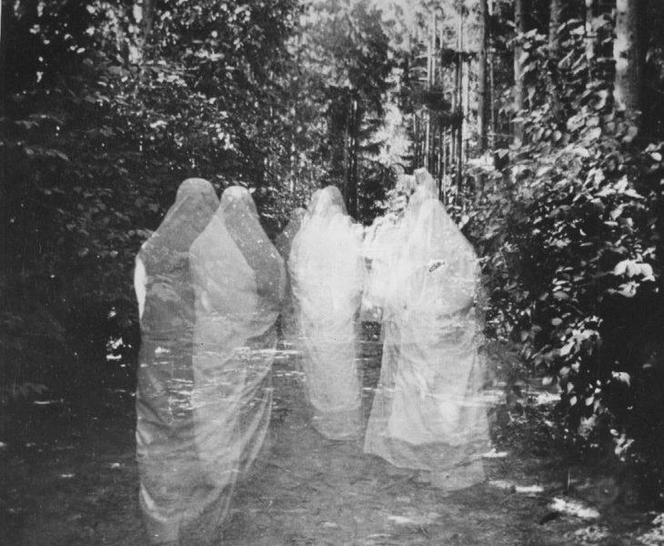 la-processione-dei-morti